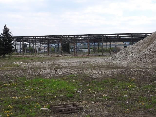 Działki po zakładach upadłego Bumaru znajdują się blisko centrum miasta, tuż przy obwodnicy. W 2012 r. wystawiono je na sprzedaż za 12,5 mln zł.