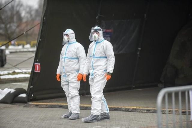 Coraz mniej zakażeń koronawirusem, ale to jeszcze nie koniec pandemii