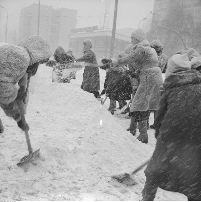 Zima stulecia 1979. Tak wyglądała na archiwalnych zdjęciach