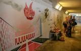 """Nowy mural w przejściu podziemnym w Gdańsku. """"Jak wam się podoba"""", autorski projekt Iwony Zając, przy Teatrze Szekspirowskim [zdjęcia]"""