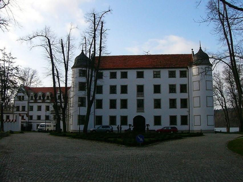 Lokalizacja: Krąg, woj. zachodniopomorskieZabytkowy zamek...