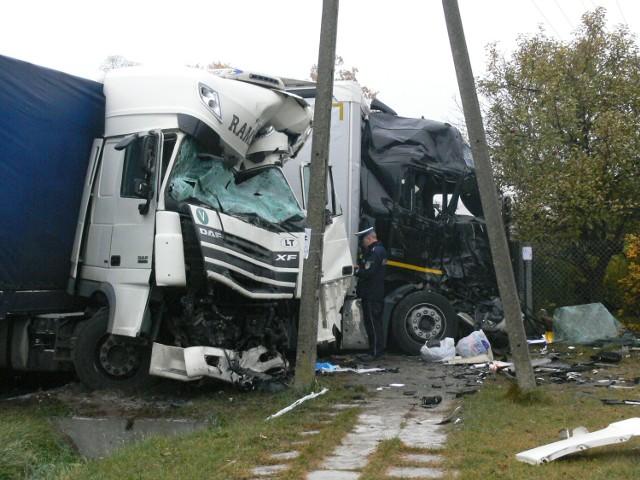 Do śmiertelnego wypadku doszło w środę rano na krajowej czternastce pod Łowiczem.