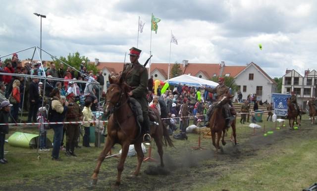 Święto miasta rozpoczął się od parady ułanów