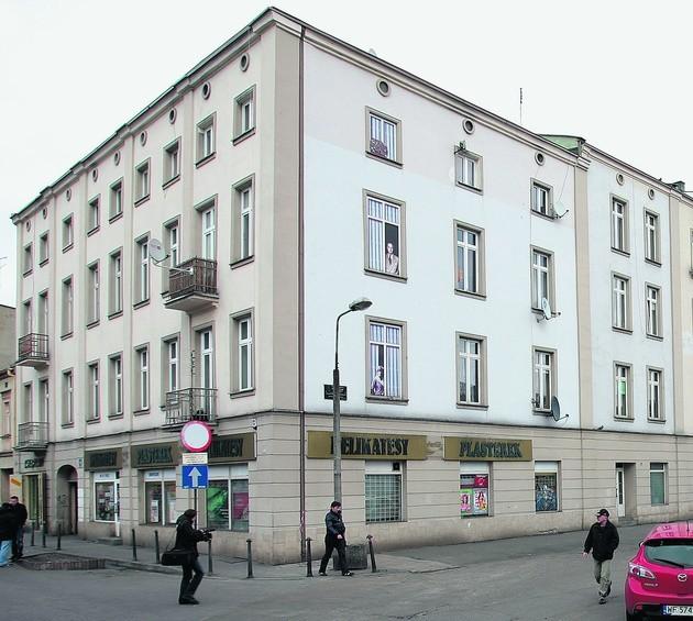 Na razie Władysław Szpilman ma swoje okno - na ścianie kamienicy przy ul. Targowej w Sosnowcu, gdzie się urodził