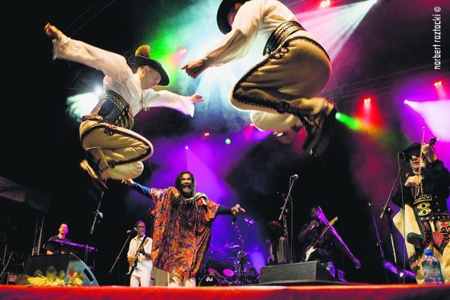 Tutki stały się sławne po tym jak zagrali z muzykami reggae