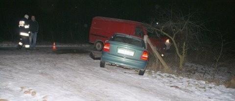 Kierowca z 3 promilami spowodował wypadek. Ranny ma złamane 3 żebra.