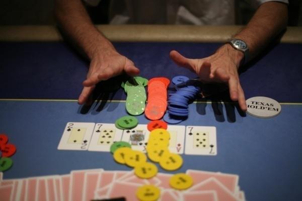 30-latek przegrał firmowe pieniądze w kasynie