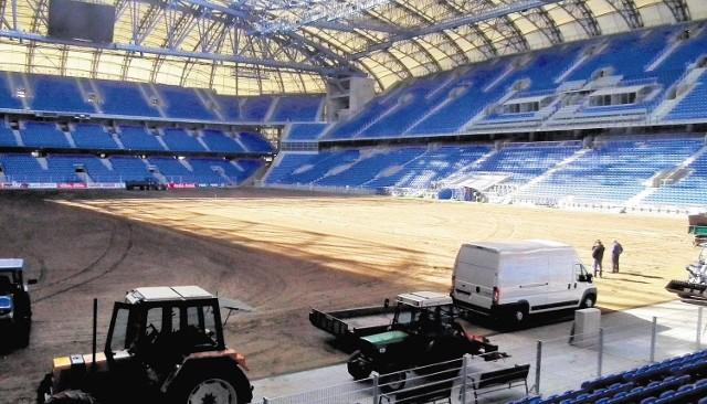 Nowa murawa na Stadionie Miejskim ma wytrzymać do końca rundy wiosennej