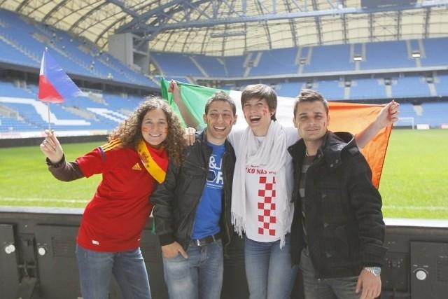 Studenci zza granicy prowadzili zajęcia z młodzieżą i zwiedzali stadion miejski.