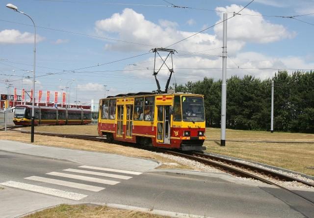 Tramwaj linii 6 wykoleił się na Wojska Polskiego przy Spornej.