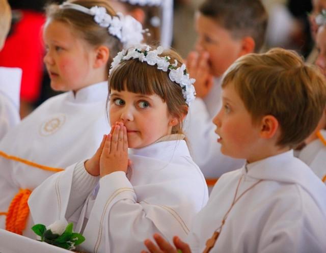 W kościele pw. Aniołów Stróżów Msza komunijna rozpoczęła się o godz.  12.00