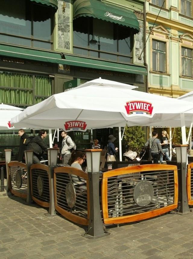 Miasto wskaże restauracjom,  co trzeba zasłonić