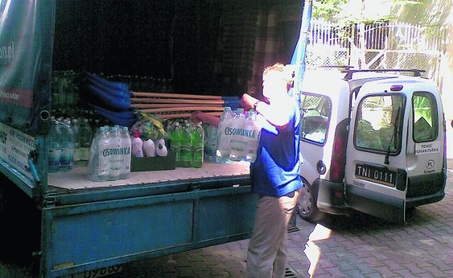 Jeden z transportów ze wsparciem dla tuchowian zorganizowano dzięki kupcom z targowisk w mieście