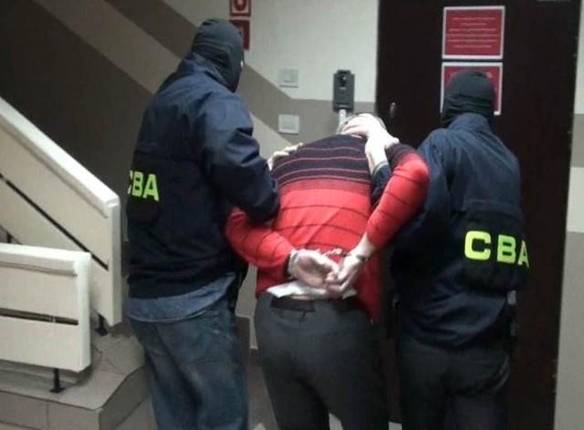 CBA zatrzymało 8 osób ws. fałszywych obligacji