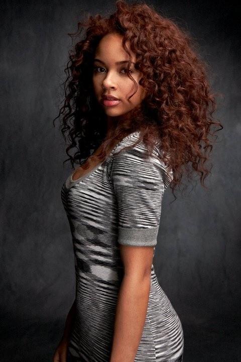 Alexis Jordan zaśpiewa na otwarcie festiwalu