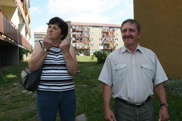 Nie wypełnimy ankiet i ich nie oddamy - zapewniają Zbigniew Majewski i Zofia Maciończyk, mieszkańcy Orłowca