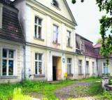 Zabytkowy pałac w Rusocinie kupił właściciel Amber Gold i OLT Express