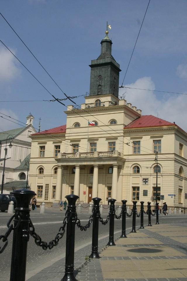 Oskarżony dyrektor z lubelskiego ratusza nie straci posady