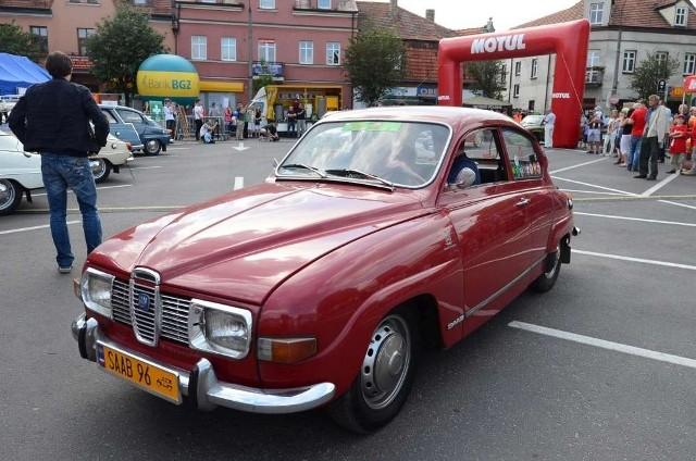 III Zlot Zabytkowych Saabów rozpoczął się w sobotę w Mosinie. Odbyła się widowiskowa parada i prezentacja kilkudziesięciu aut