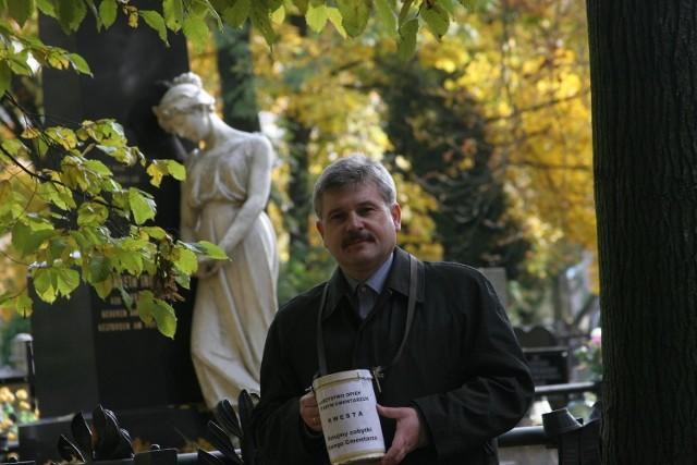 Cezary Pawlak, prezes Towarzystwa Opieki nad Starym Cmentarzem w Łodzi.