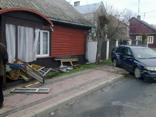 Janów Podlaski: Pijany kierowca wjechał w dom