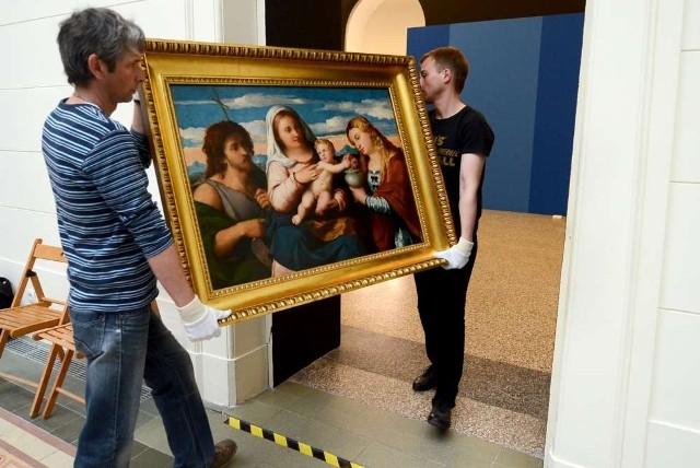 W Muzeum Narodowym w Poznaniu trwa rozpakowywanie skrzyń z  36  obrazami  wypożyczonymi  z Accademii Carrara w Bergamo