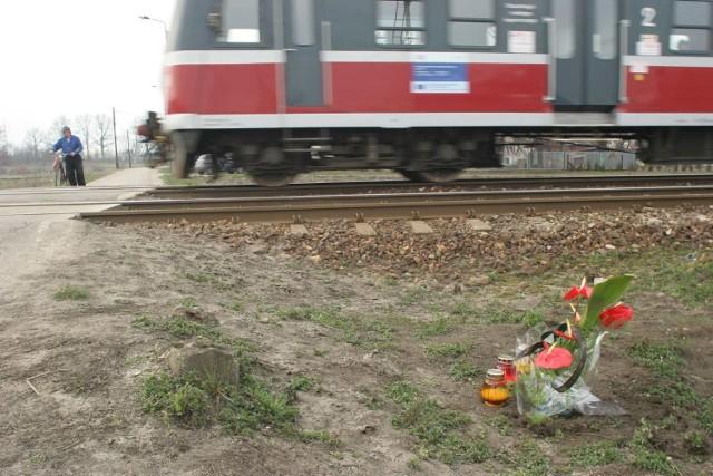 W Polsce co roku dochodzi średnio do 255 wypadków na przejazdach kolejowych