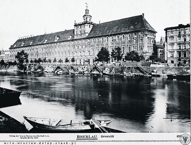 24 sierpnia 1945 r. został wydany dekret, który powołał jedną uczelnię - Uniwersytet i Politechnikę we Wrocławiu