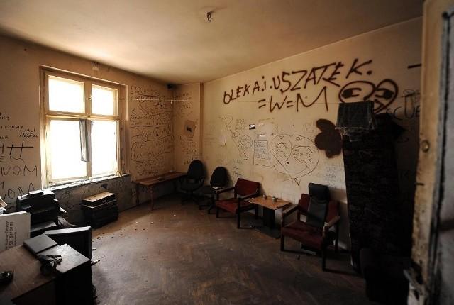 Mieszkania po eksmitowanych miasto musi często remontować
