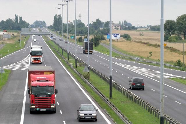 Ministerstwo Infrastruktury bierze się wreszcie poważnie za budowę autostrad. Przyspieszenie widoczne jest na odcinkach dróg A1, A2 oraz A4