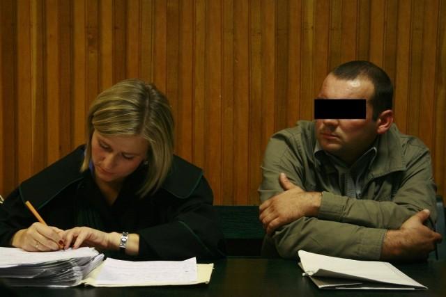 Sprawa policjanta oskarżonego o gwałt wciąż bez wyroku