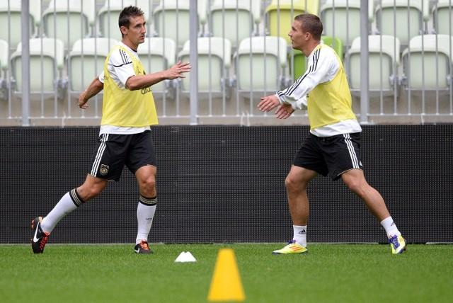 Miroslav Klose (z lewej) i Lukas Podolski podczas treningu