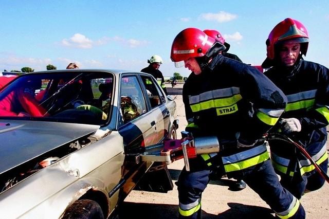 Na Dolnym Śląsku jest ciągle za mało najnowszego sprzętu do ratowania ofiar wypadków drogowych