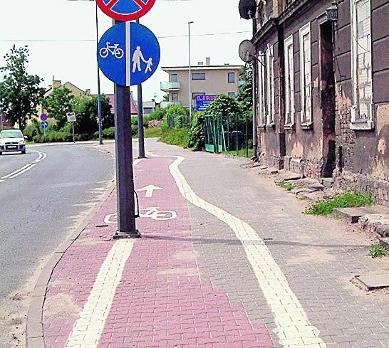 Na ul. Dmowskiego w Poznaniu zmieniono przebieg drogi rowerowej