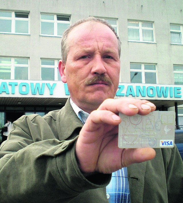 Janusz Gędoś z Trzebini jest rozczarowany. Karta płatnicza w szpitalu jest nieprzydatna