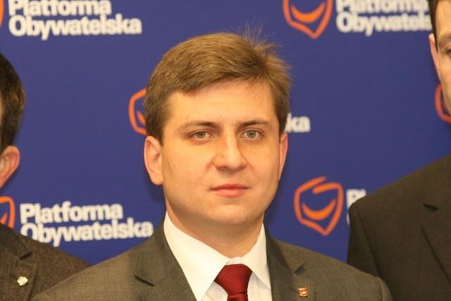 Cena abonamentu za parkowanie w centrum miasta musi być niższa - uważa Tomasz Kacprzak.