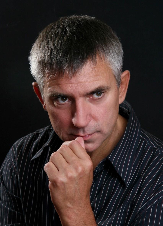 Artur Kocięcki - aktor i poeta.