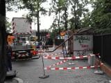 Wrocław: Latarnia spadła na przystanek przy ul. Długiej