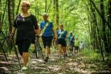 Poszli z kijkami do lasu. Za nami I Kraśnicki Rajd Nordic Walking. Zobacz zdjęcia