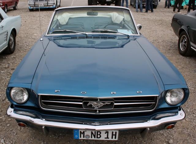 1964 – W Nowym Jorku odbyła się premiera Forda Mustanga.