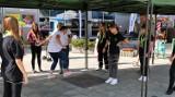 Narodowy Dzień Sportu w Chełmie. To były sportowe zawody i zabawy podwórkowe jak za dawnych lat. Zobacz zdjęcia