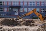 Chełm. Trwa budowa boiska wielofunkcyjnego  przy  SP nr 3 – zobaczcie zdjęcia