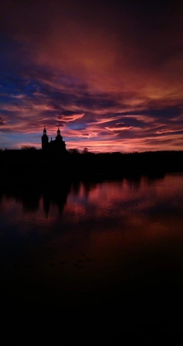 Niezwykły wschód słońca w Krakowie