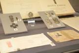 Muzeum Podkarpackie w Krośnie otwiera ekspozycję cennych poloników. W kolekcji są unikatowe orły, archiwalia i dzieła sztuki [ZDJĘCIA]
