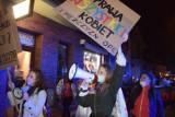 Wągrowiec. Trzeci marsz kobiet przeszedł ulicami miasta [ZDJĘCIA]