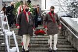 Zakopane. Pogrzeb Jerzego Zacharki - wicestarosty tatrzańskiego. Został pośmiertnie odznaczony Orderem Oficerskim Odrodzenia Polski