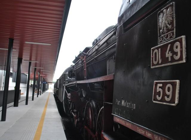 Lokomotywa Ol49-59 pojechała do naprawy w Wągrowcu