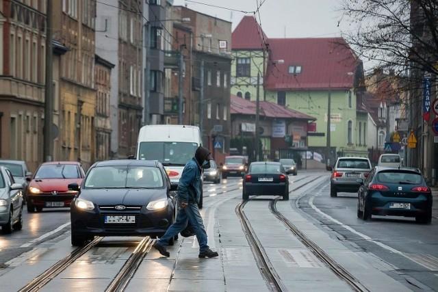 Wśród niebezpiecznych miejsc w Bydgoszczy na pierwszym miejscu znalazło się przejście dla pieszych przy ul. Nakielskiej na wysokości ul. Ułańskiej.