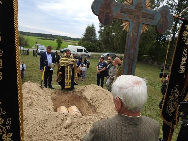 Uroczysty pochówek ekshumowanych szczątków żołnierzy Armii Carskiej.