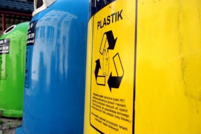 W Nowym Dworze Gdańskim trwa dezynfekcja śmietników